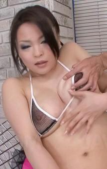 セクシーなブラ&パンティ姿でGカップ爆乳はるか悠ちゃんが登場。目隠しプレイでローター&バイブ責め!