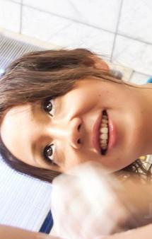 ピチピチボディの舞織瑠姫ちゃんがスケスケの青いマイクロビキニ姿で足コキ&フェラご奉仕。口内射精で精子を受け止めます!
