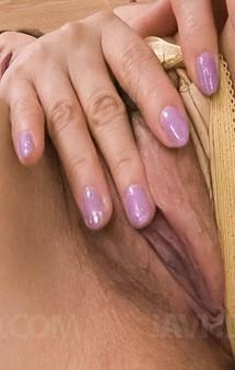 Fカップ爆乳美熟女朝霧一花さんが見せ付けオナニー。大好きなクリトリスを高速愛撫から指挿入。デカバイブをズコズコピストン!
