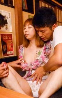 マイクロビキニで接客するセクシー居酒屋に突撃!パイパン女将北川みなみさんをマン繰り責め。電マ責めでイキまくる!