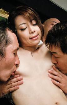 会議中でもムラムラしちゃう美人OL北条麻妃さん。セクシーなブラ&Tバックを剥ぎ取られ、おマンコチェックで輪姦プレイ!