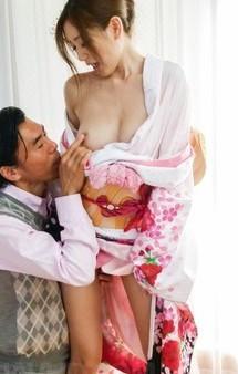 極上スレンダー美女前田かおりが振袖ファック!髪飾りを付けたまま指マン&フェラ。ガン突きまくりで、ザーメン中出し!